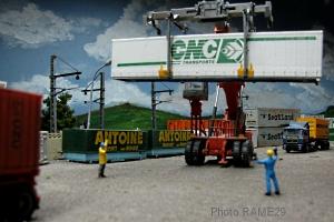 Container-03M.jpg