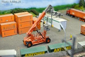 Container-08M.jpg