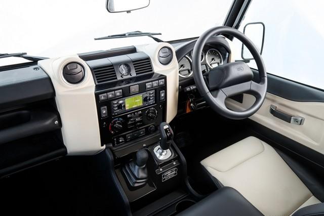 Land Rover lance une version V8 du Defender pour célébrer ses 70 ans Lrclassicdefenderworksv817011812